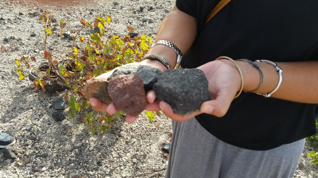 santorini-rocks